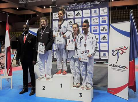 podium Maeva